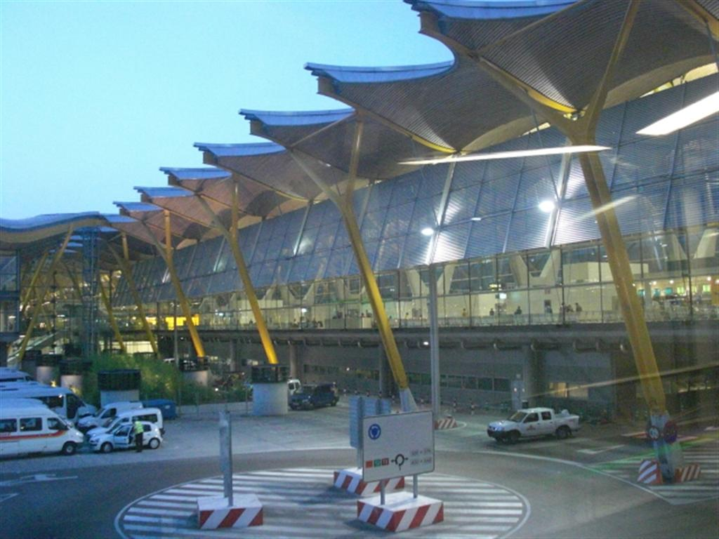 Aeroporto Havana Arrivi : Terminal aeroporto di madrid barajas arrivo dall italia
